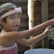 Clean water after deadly typhoon in Philippines