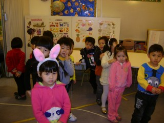 Children at the Chinese Presbyterian Preschool hopped for maternal health.